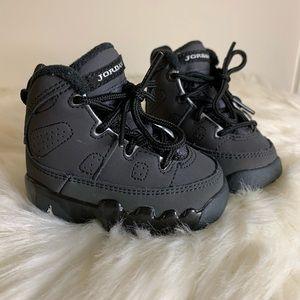 Air Jordan 9 Retro 'Anthracite' Sneakers